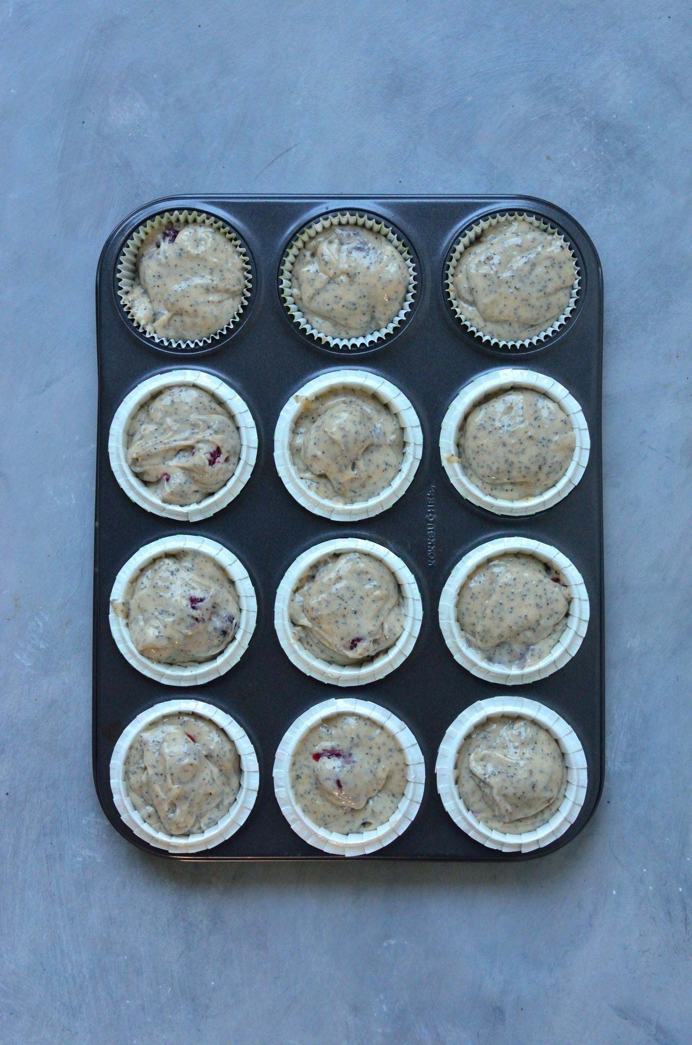 Veganske brombærmuffins inden bagning